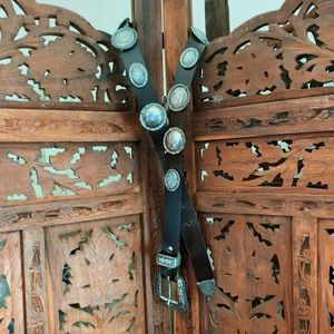 VTG Western Black Leather & Silver Concho Belt